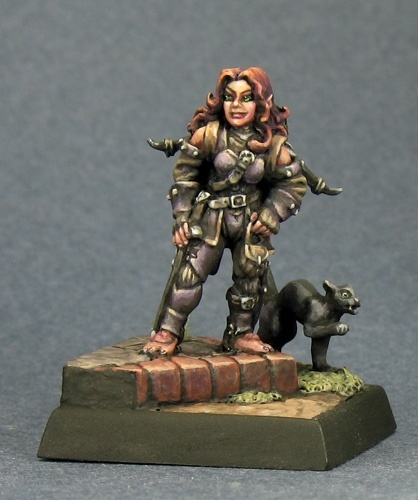 02676 Elia Shadowfeet, Female Halfling Thief