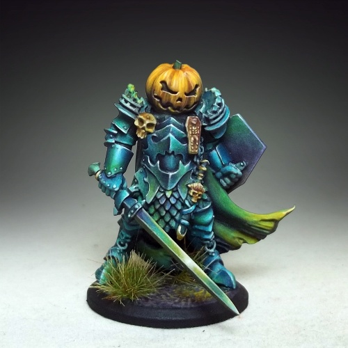 01449 Halloween Knight