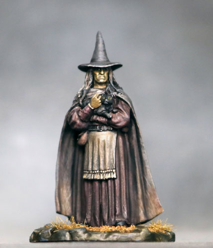 DSM7334 Female Witch w. cat